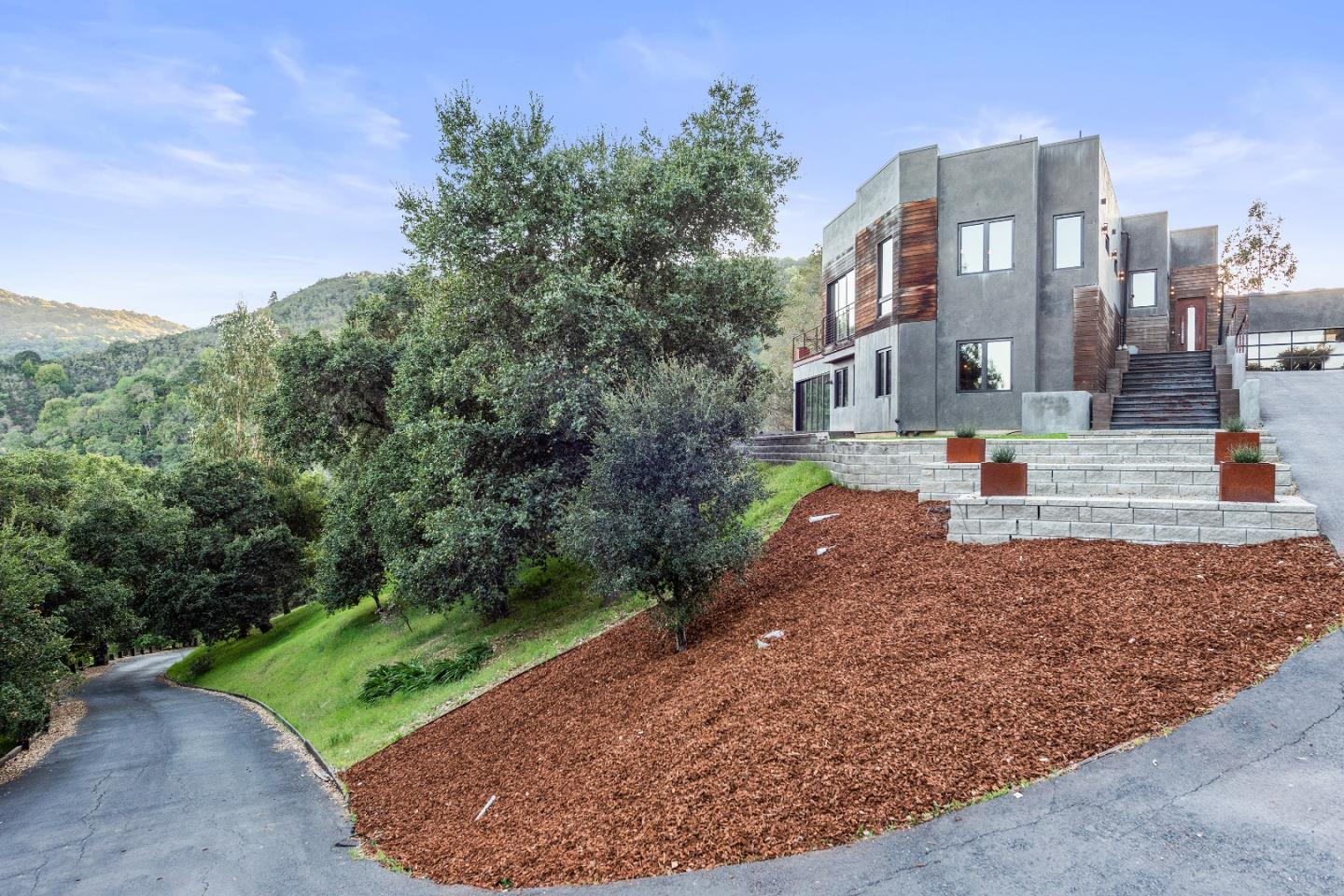 Detail Gallery Image 1 of 31 For 27753 Sherlock Rd, Los Altos Hills,  CA 94022 - 5 Beds | 3/1 Baths