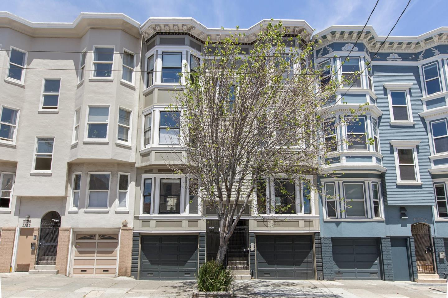 Detail Gallery Image 1 of 1 For 3334 16th St, San Francisco,  CA 94114 - 2 Beds | 2 Baths