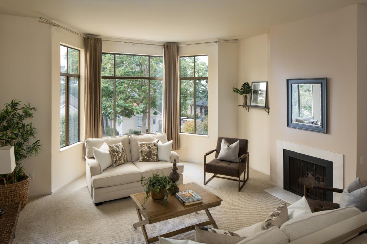 Detail Gallery Image 1 of 9 For 0 Mission 4 Ne Of 5th Ave 2n,  Carmel,  CA 93921 - 1 Beds | 1 Baths