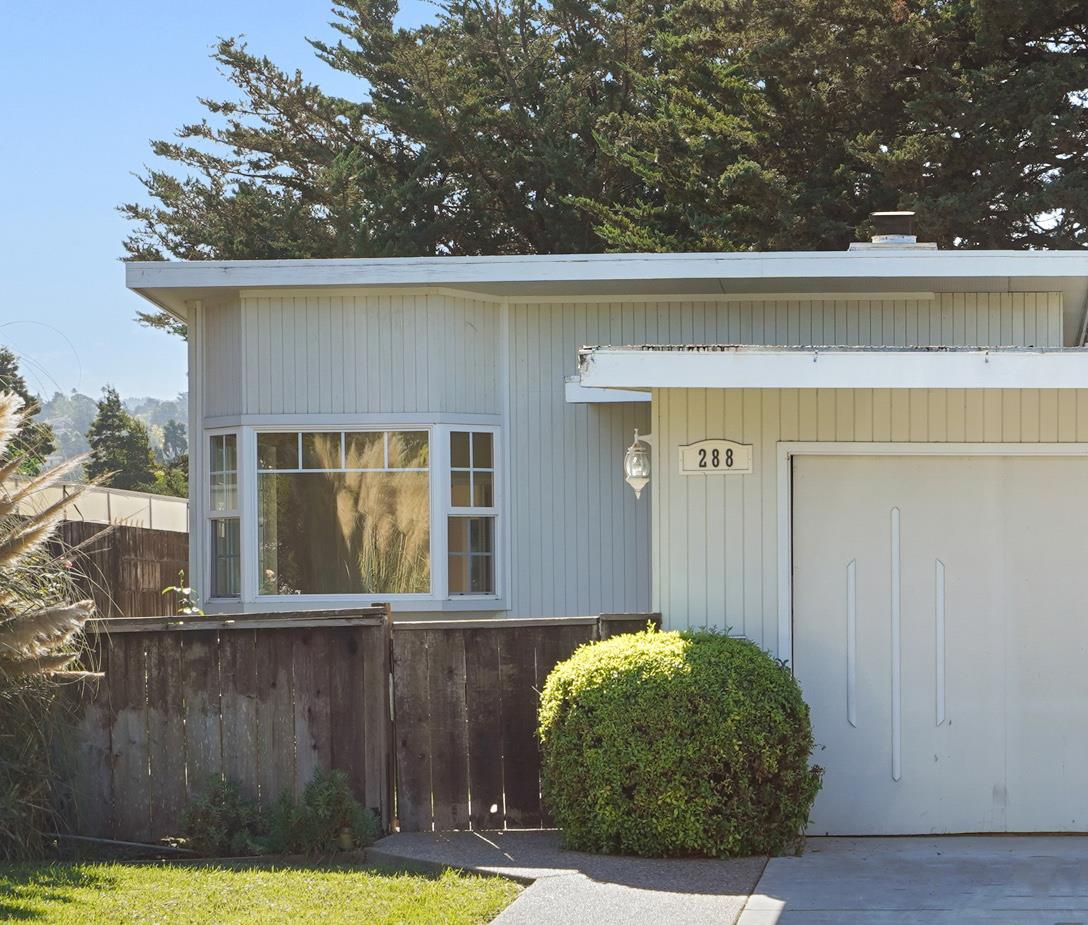 Detail Gallery Image 1 of 1 For 288 Hillview Ave, Redwood City,  CA 94062 - 3 Beds | 2 Baths