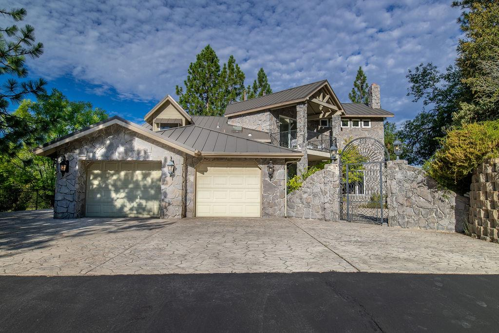 Detail Gallery Image 1 of 103 For 38786 Fawn Point Ln, Bass Lake,  CA 93604 - 4 Beds | 4/1 Baths