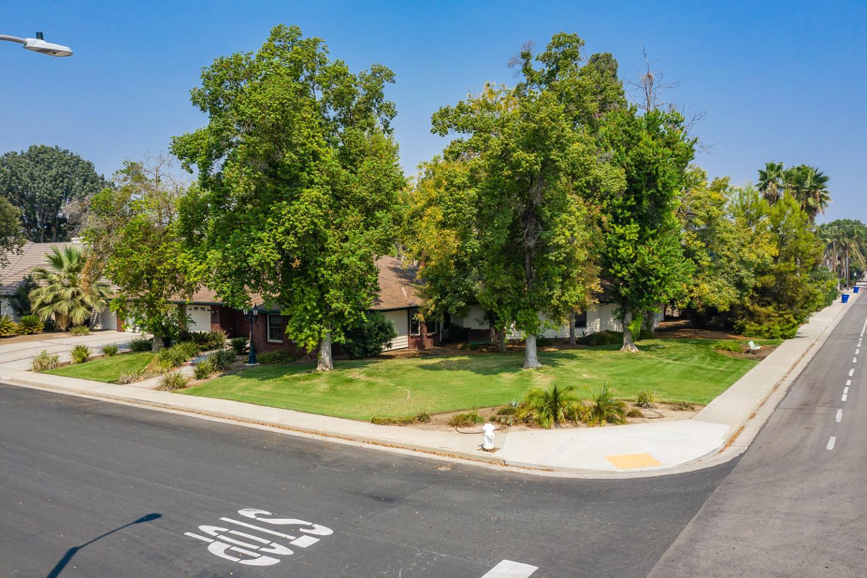102 W Solar Dr, Hanford, CA 93230 - 3 Beds | 2 Baths ...