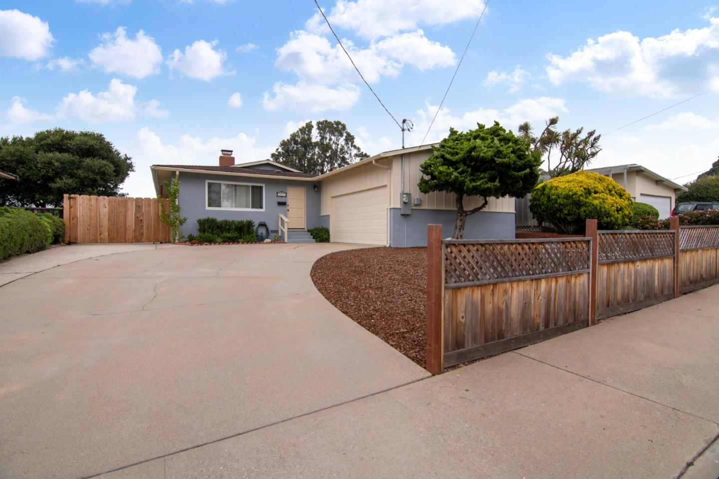 Photo of 2025 Military AVE, SEASIDE, CA 93955