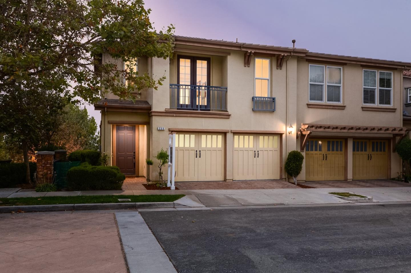 Detail Gallery Image 1 of 1 For 256 Meadow Pine Pl, San Jose,  CA 95125 - 4 Beds   3 Baths