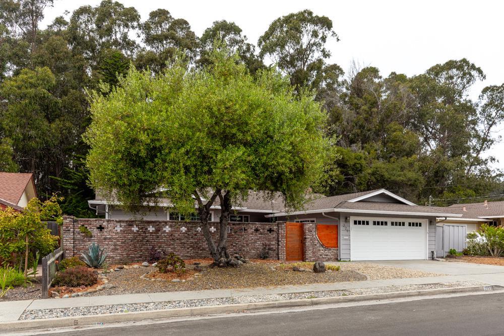 Detail Gallery Image 1 of 1 For 229 Pestana Ave, Santa Cruz,  CA 95065 - 3 Beds | 2 Baths