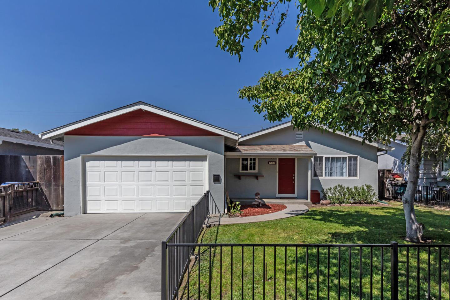 Detail Gallery Image 1 of 1 For 277 Stagehand Dr, San Jose,  CA 95111 - 3 Beds   2 Baths
