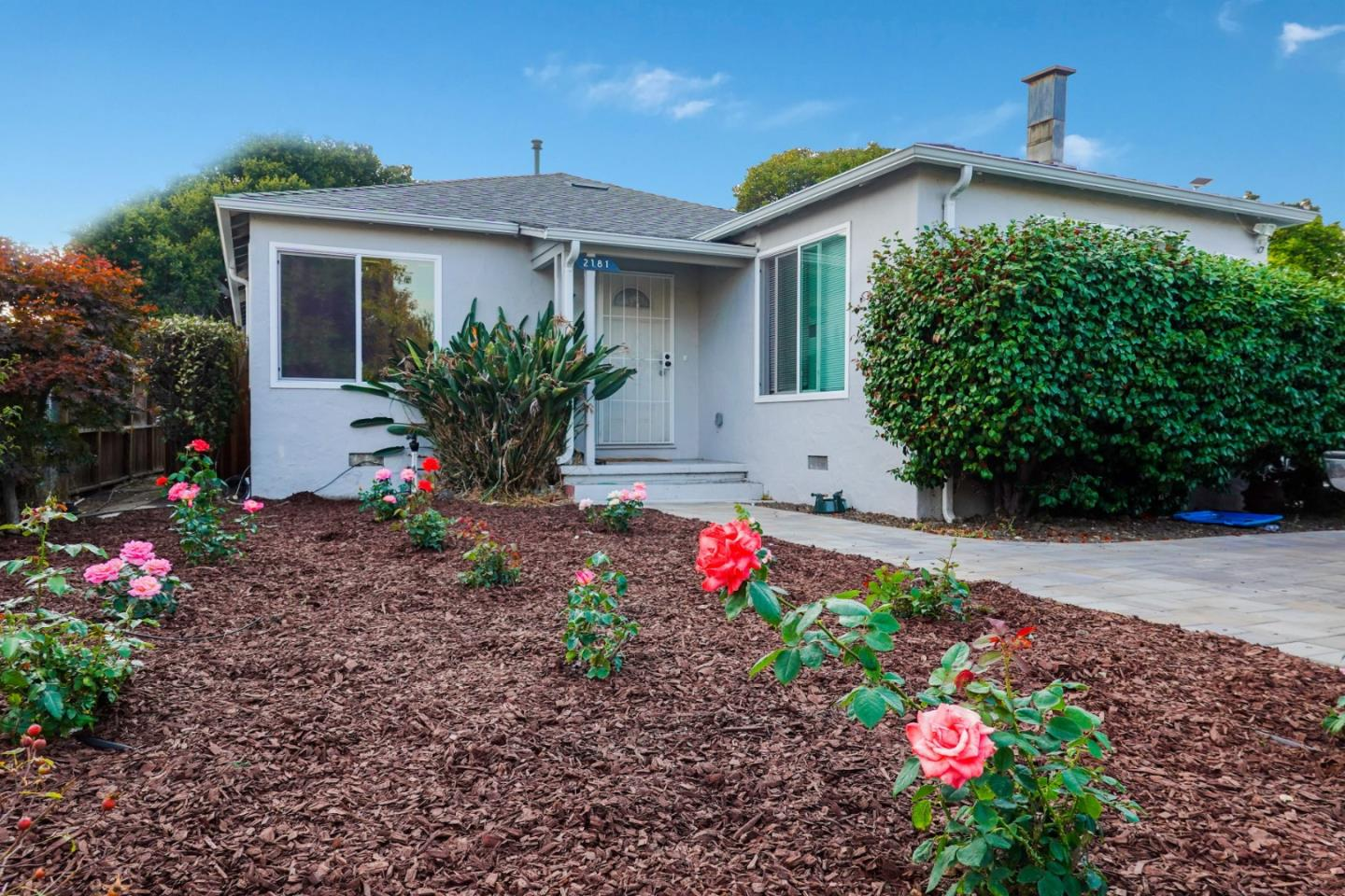 Detail Gallery Image 1 of 1 For 2181 Capitol Ave, East Palo Alto,  CA 94303 - 4 Beds | 2 Baths