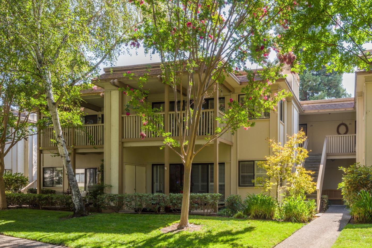 Detail Gallery Image 1 of 1 For 50 Horgan Ave #28,  Redwood City,  CA 94061 - 3 Beds | 2 Baths