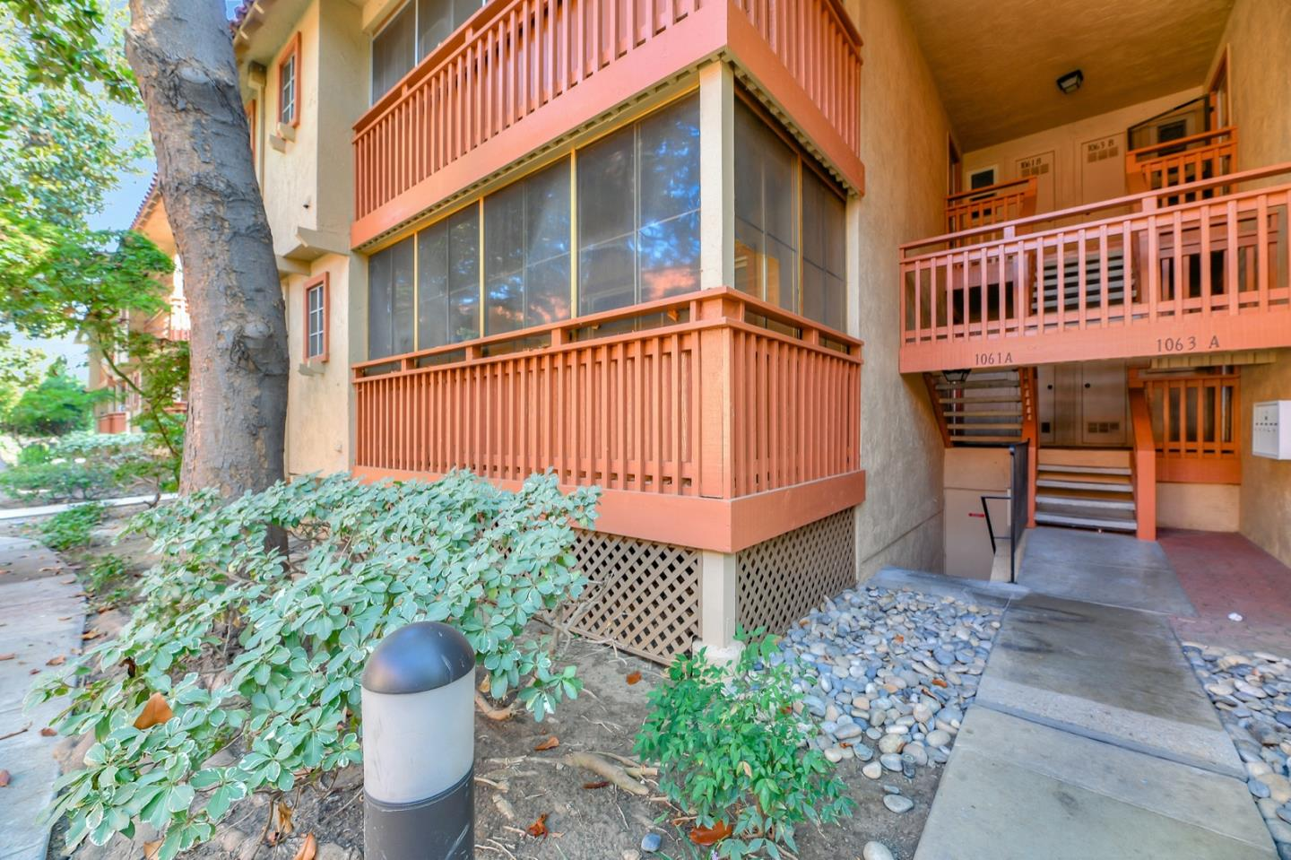 Detail Gallery Image 1 of 27 For 1061 Alta Mira Dr #A,  Santa Clara,  CA 95051 - 2 Beds | 2 Baths