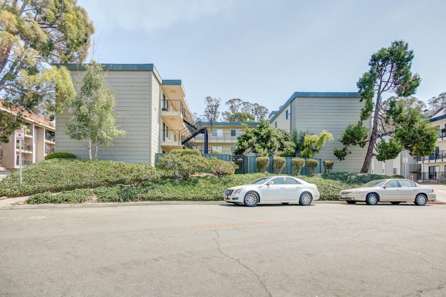 2nd Floor end unit in small quiet complex. Unobstructed views of Monterey, the Bay and Cement Ship. Completely remodeled in 2014/2015. 2 bed, 1.5 bath, Complex has pool and laundry on site as well as a Crow's Nexst on the roof for occupants use. Quick walk down to New Brighton Beach. Watch the whales, pelicans, dolphins and sail boats as they meander past. Word from the HOA board is the builder that built this building reserved this unit for himself as the views are so amazing! For video tour: https://youtu.be/1SSyFzpvH4Y