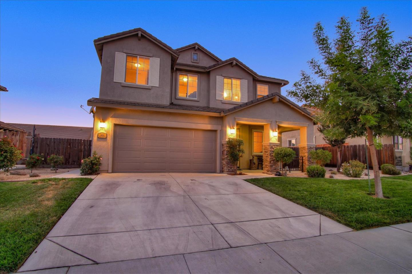 Detail Gallery Image 1 of 54 For 1860 Monte Vista Dr, Hollister,  CA 95023 - 4 Beds | 3/1 Baths