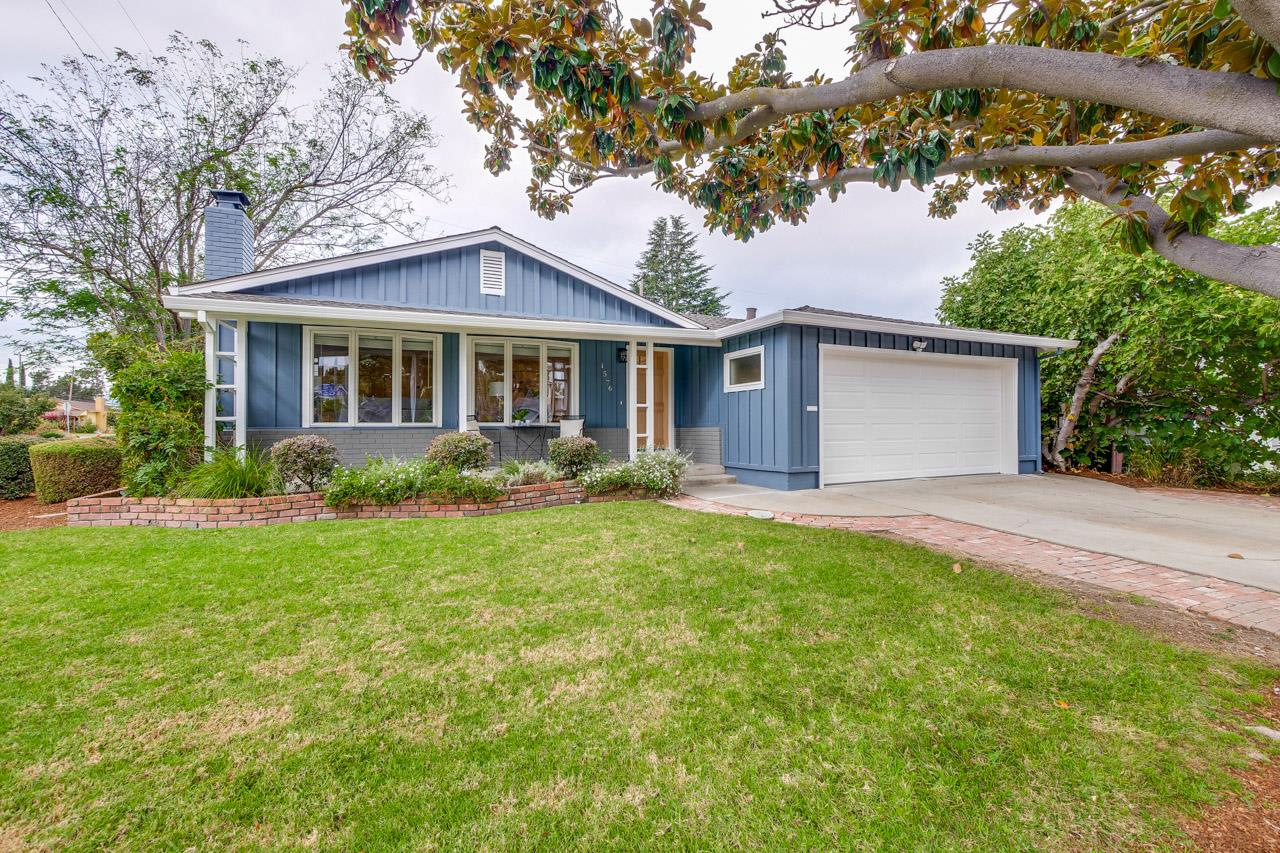 Detail Gallery Image 1 of 1 For 1576 Begen Ave, Mountain View,  CA 94040 - 4 Beds | 2/1 Baths