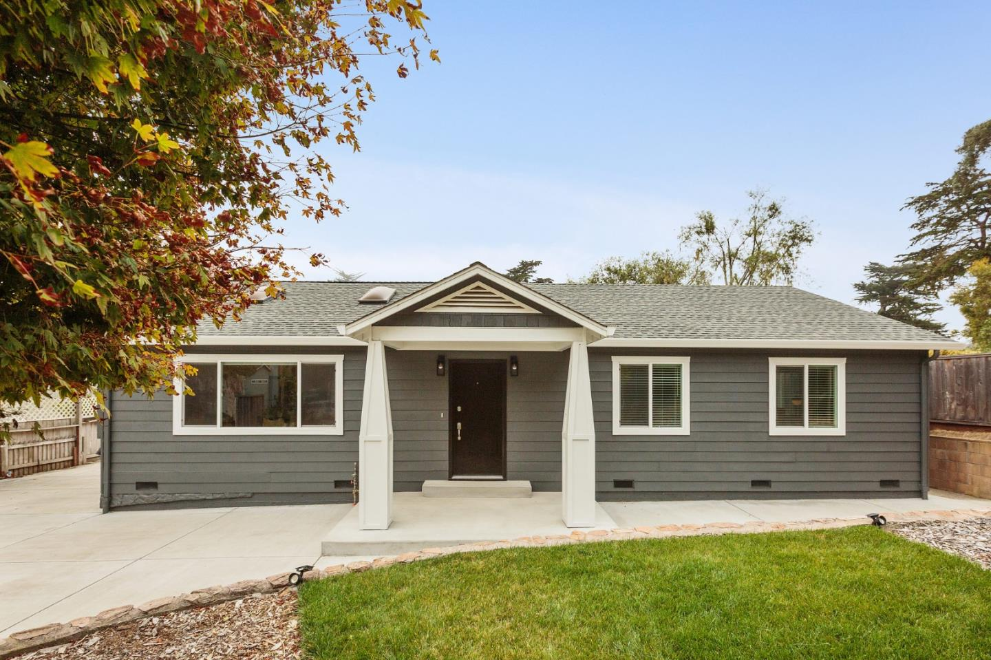 Detail Gallery Image 1 of 28 For 1208 Date St, Montara,  CA 94037 - 3 Beds | 2 Baths