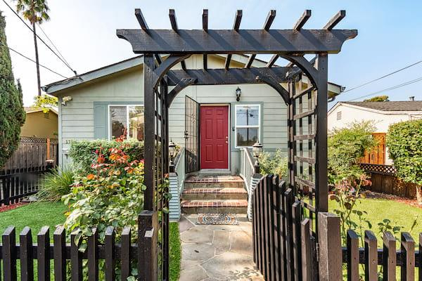 Detail Gallery Image 1 of 1 For 1166 Junipero Ave, Redwood City,  CA 94061 - 3 Beds | 2 Baths