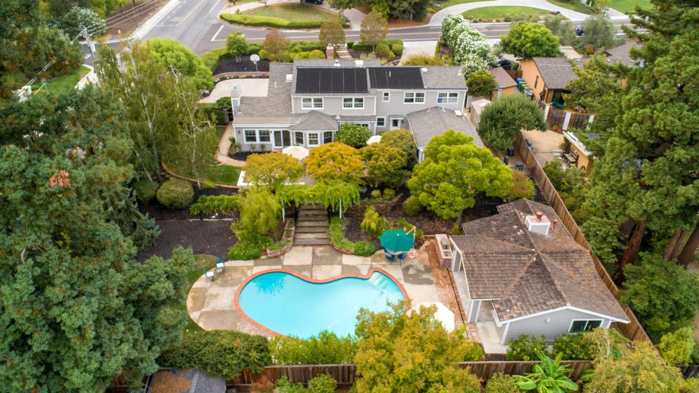 Detail Gallery Image 1 of 1 For 15620 Palos Verdes Dr, Monte Sereno,  CA 95030 - 5 Beds | 4/1 Baths