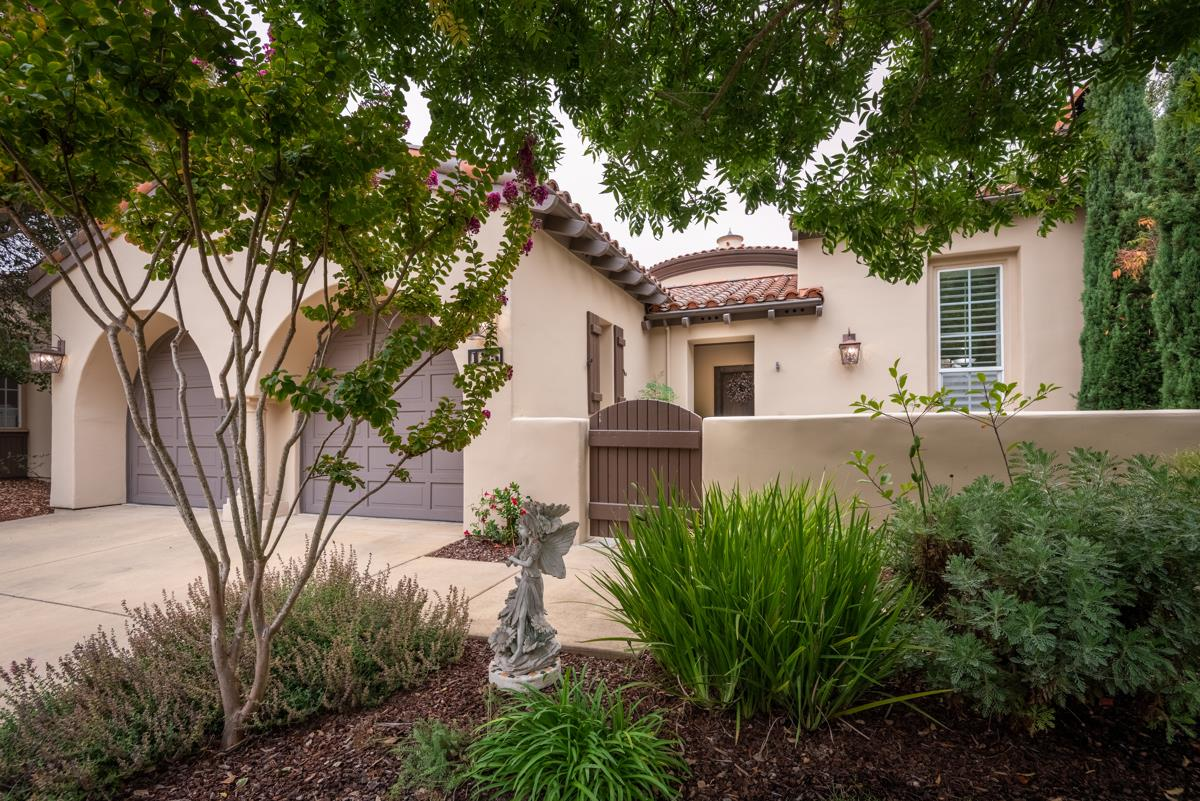 Detail Gallery Image 1 of 1 For 125 Las Brisas Dr, Monterey,  CA 93940 - 3 Beds   2/1 Baths