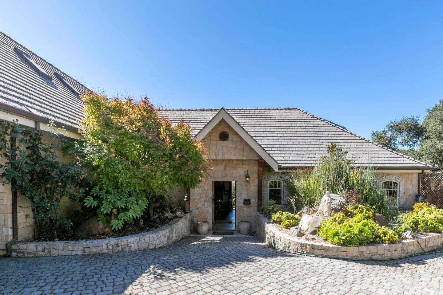 Detail Gallery Image 1 of 19 For 11709 Camino Escondido Rd, Carmel Valley,  CA 93924 - 3 Beds | 3/1 Baths