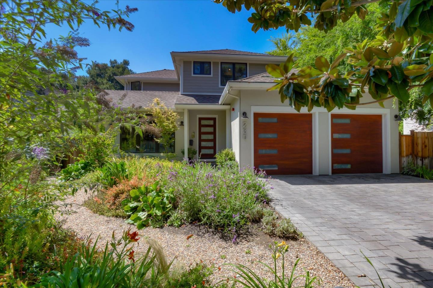 Detail Gallery Image 1 of 43 For 230 O'connor St, Menlo Park,  CA 94025 - 4 Beds | 3/1 Baths