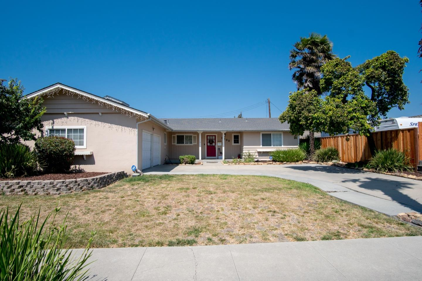 Detail Gallery Image 1 of 1 For 1232 Pajaro St, Salinas,  CA 93901 - 4 Beds | 2 Baths
