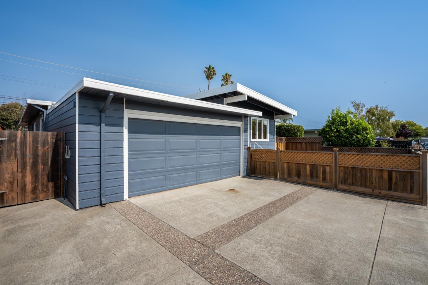 Detail Gallery Image 1 of 26 For 1721 Hamlet St, San Mateo,  CA 94403 - 3 Beds | 2 Baths