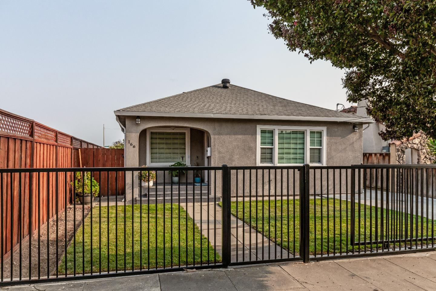 Detail Gallery Image 1 of 1 For 166 E Humboldt St, San Jose,  CA 95112 - 3 Beds | 2 Baths