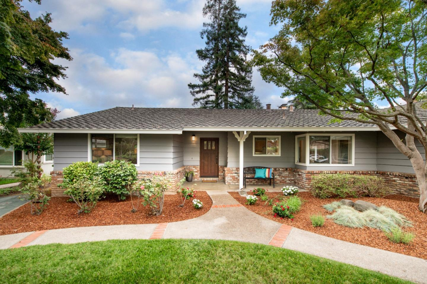 Detail Gallery Image 1 of 1 For 981 Thatcher Dr, Los Altos,  CA 94024 - 3 Beds | 2/1 Baths