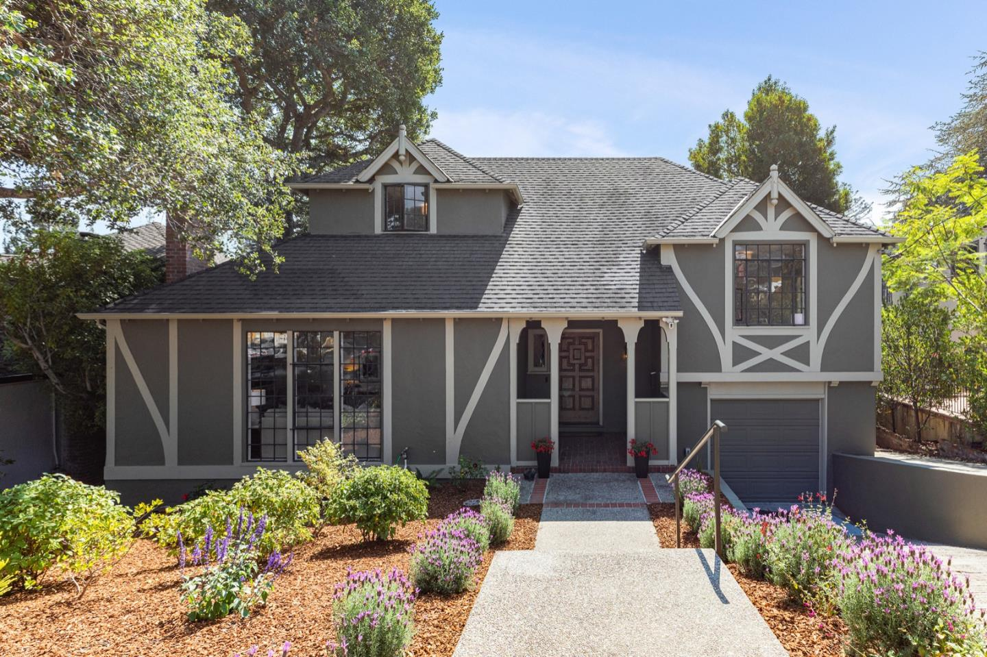 Detail Gallery Image 1 of 35 For 2541 Poppy Dr, Burlingame,  CA 94010 - 4 Beds | 2/1 Baths
