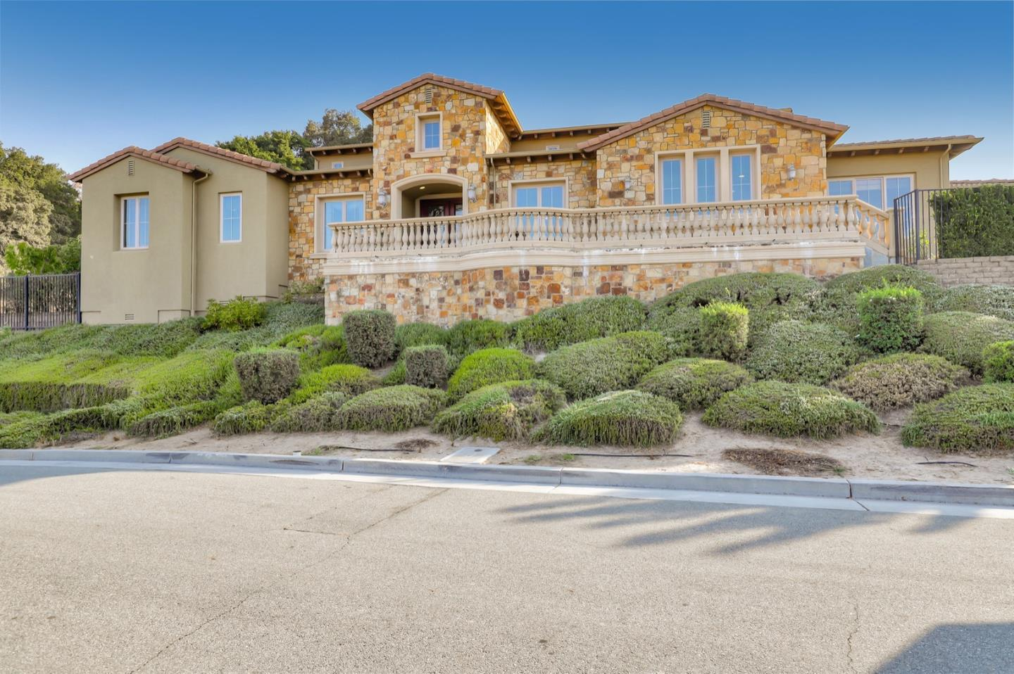 Detail Gallery Image 1 of 1 For 1930 Lavender Way, Gilroy,  CA 95020 - 3 Beds   3/1 Baths