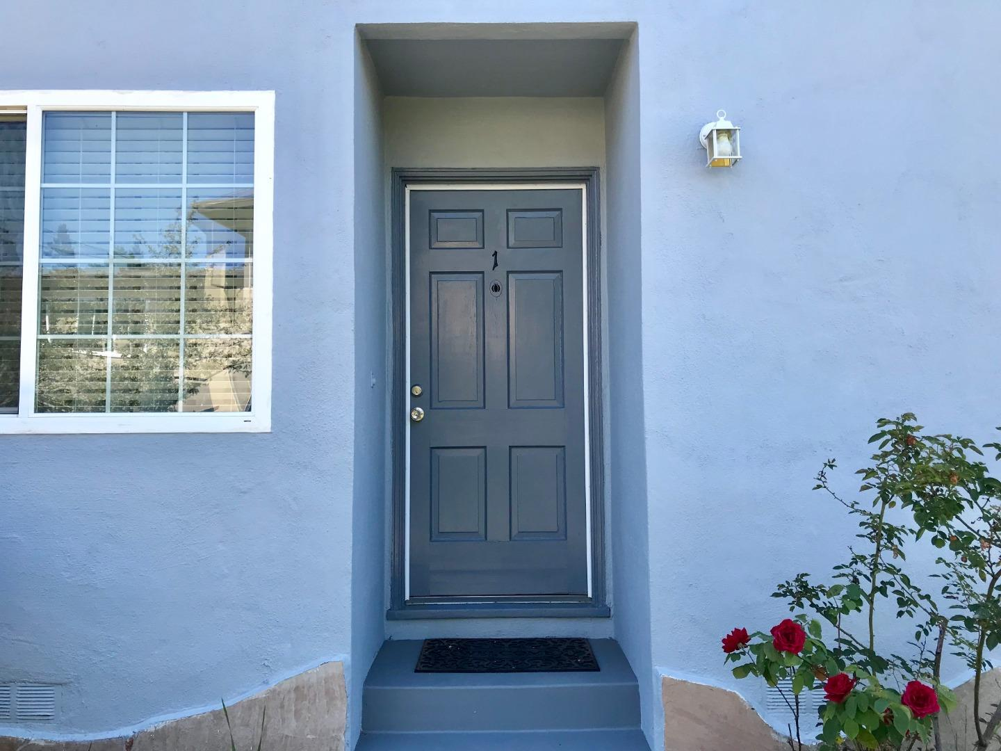 Detail Gallery Image 1 of 1 For 761 Rollins Rd #1,  Burlingame,  CA 94010 - 1 Beds | 1 Baths