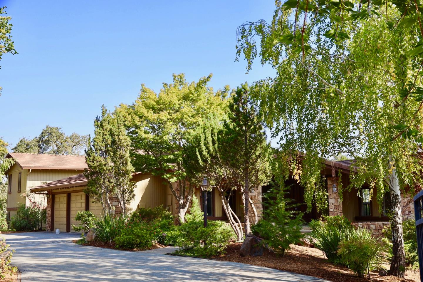 Detail Gallery Image 1 of 1 For 12113 Old Snakey Rd, Los Altos Hills,  CA 94022 - 5 Beds   4/1 Baths
