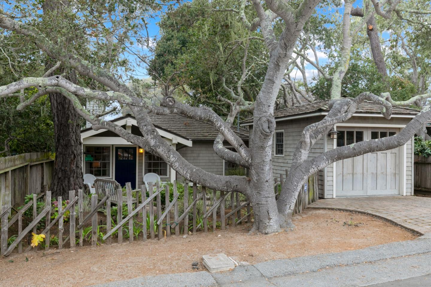Detail Gallery Image 1 of 1 For 0 San Carlos 3 Sw Of 12th, Carmel,  CA 93921 - 3 Beds | 2 Baths