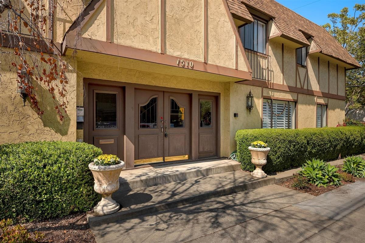 Detail Gallery Image 1 of 1 For 1510 Cherry St #3,  San Carlos,  CA 94070 - 2 Beds | 1 Baths