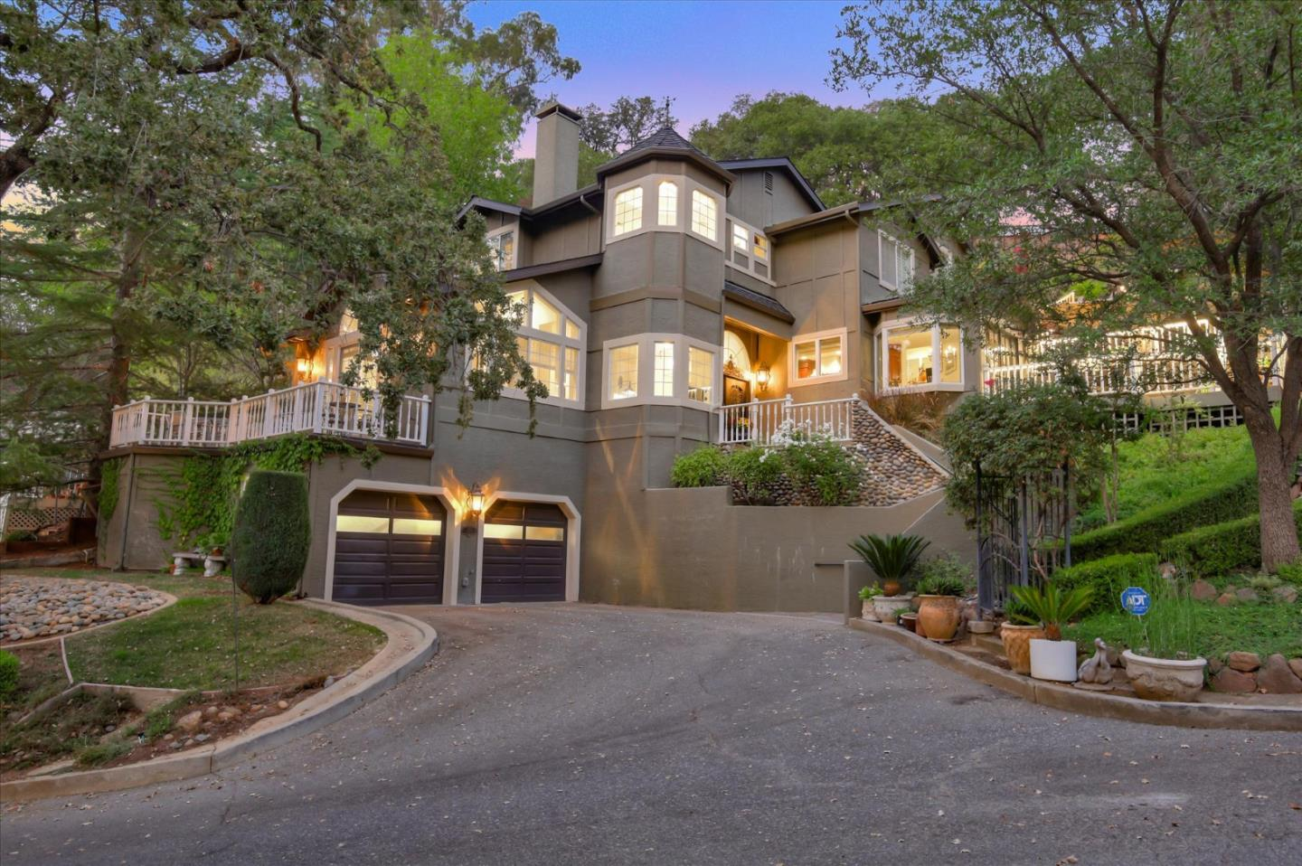 Detail Gallery Image 1 of 1 For 155 College Ave, Los Gatos,  CA 95030 - 4 Beds | 2/1 Baths