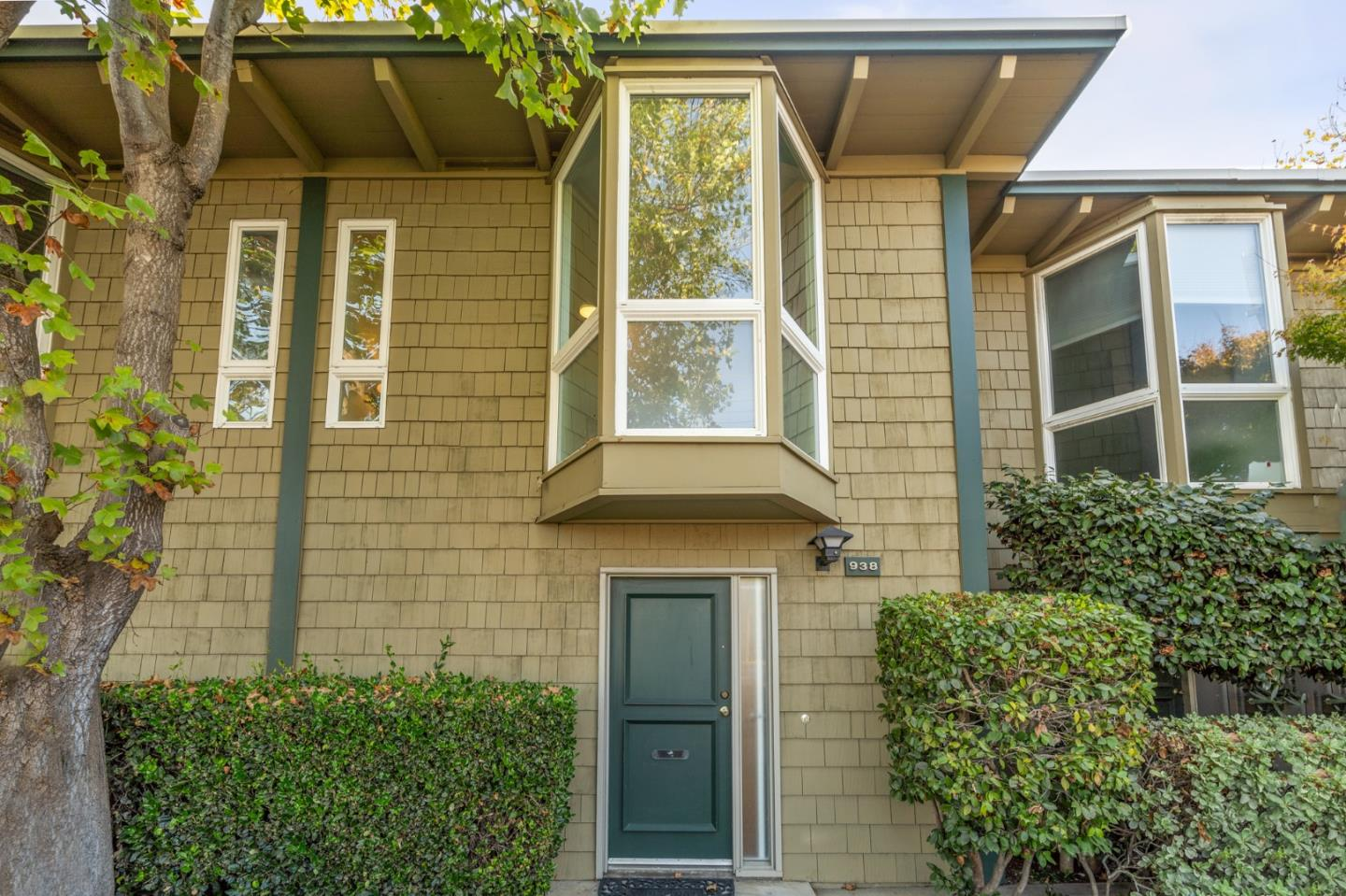 Detail Gallery Image 1 of 1 For 938 Peninsula Ave, San Mateo,  CA 94401 - 2 Beds | 1/1 Baths