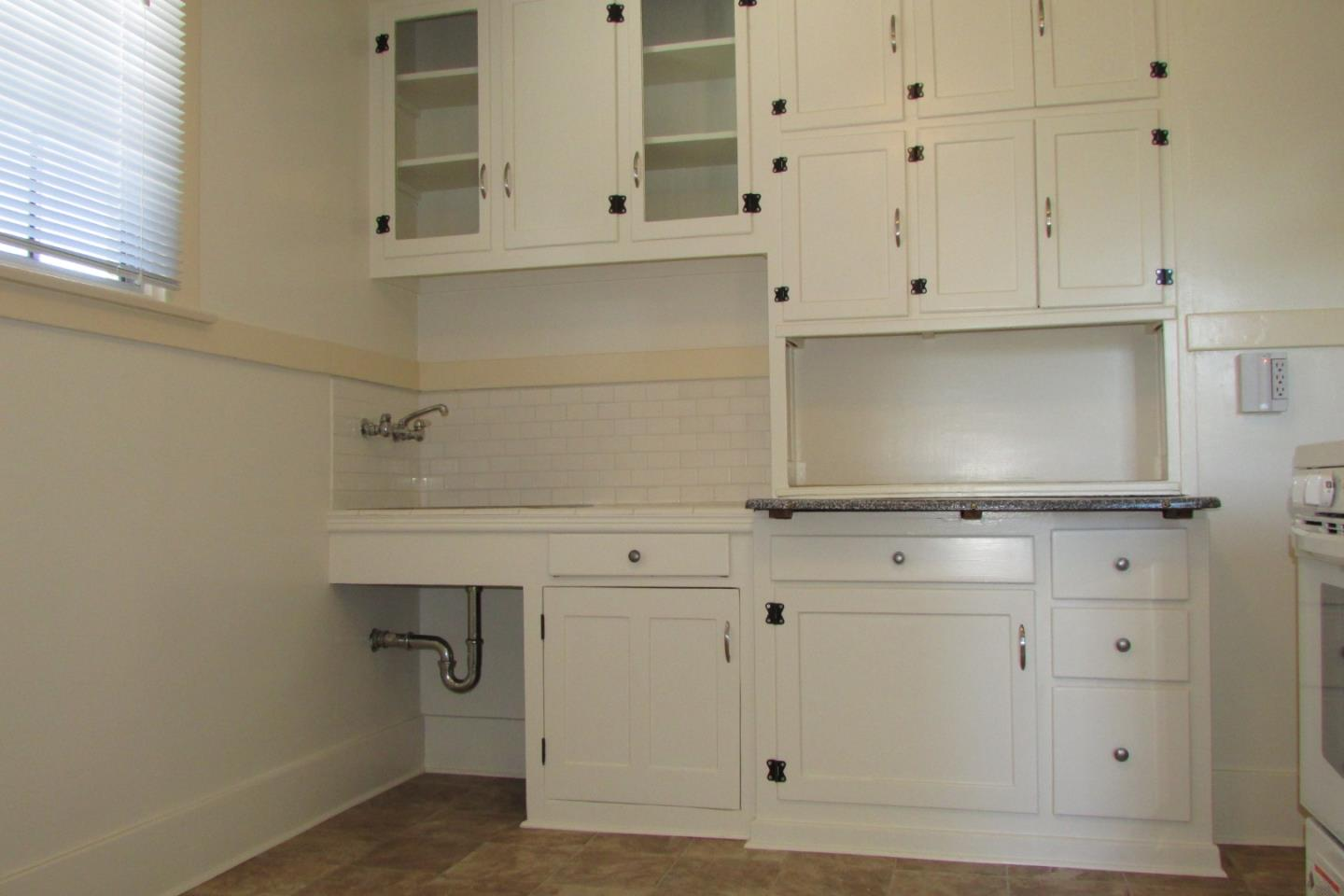 Detail Gallery Image 1 of 12 For 331 Tilton Ave #A,  San Mateo,  CA 94401 - 1 Beds   1 Baths