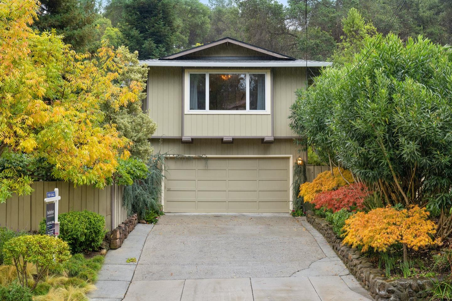Detail Gallery Image 1 of 1 For 11690 Putter Way, Los Altos,  CA 94024 - 3 Beds   2/1 Baths