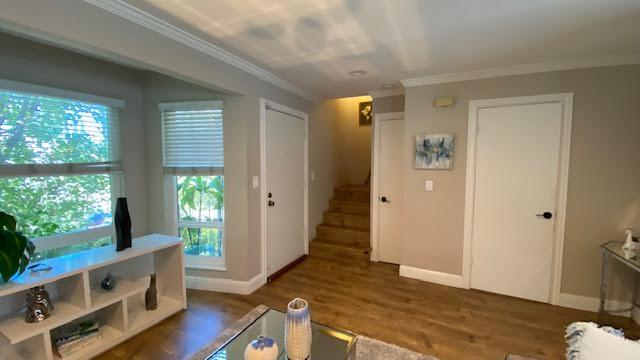 Detail Gallery Image 1 of 14 For 216 Alden St, Redwood City,  CA 94063 - 2 Beds | 1/1 Baths