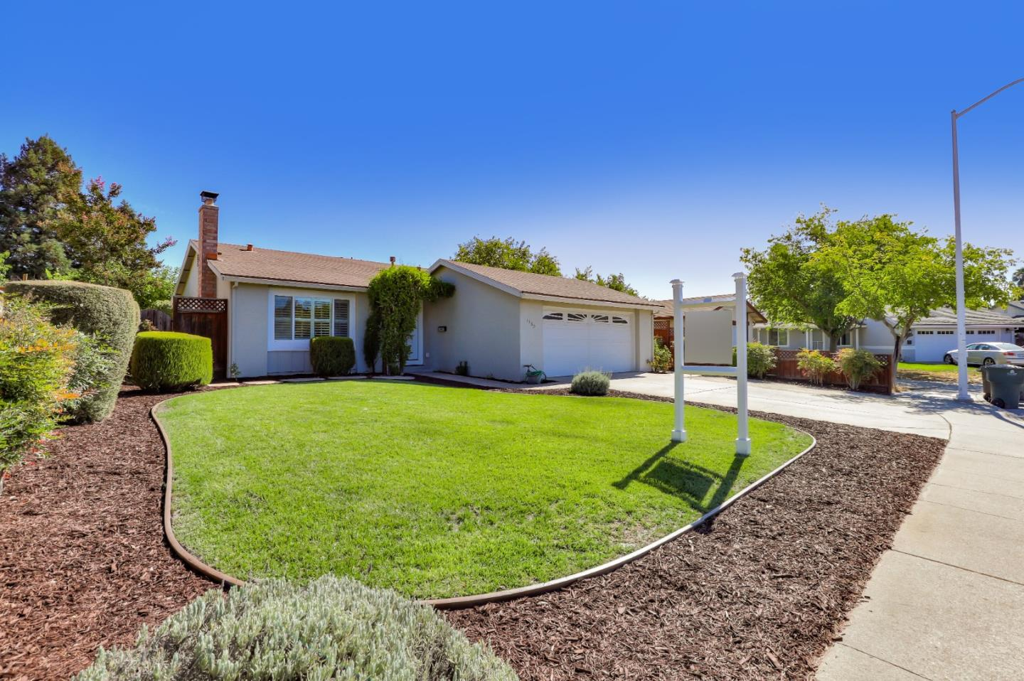 Detail Gallery Image 1 of 23 For 1560 Jasmine Way, Morgan Hill,  CA 95037 - 4 Beds | 2 Baths