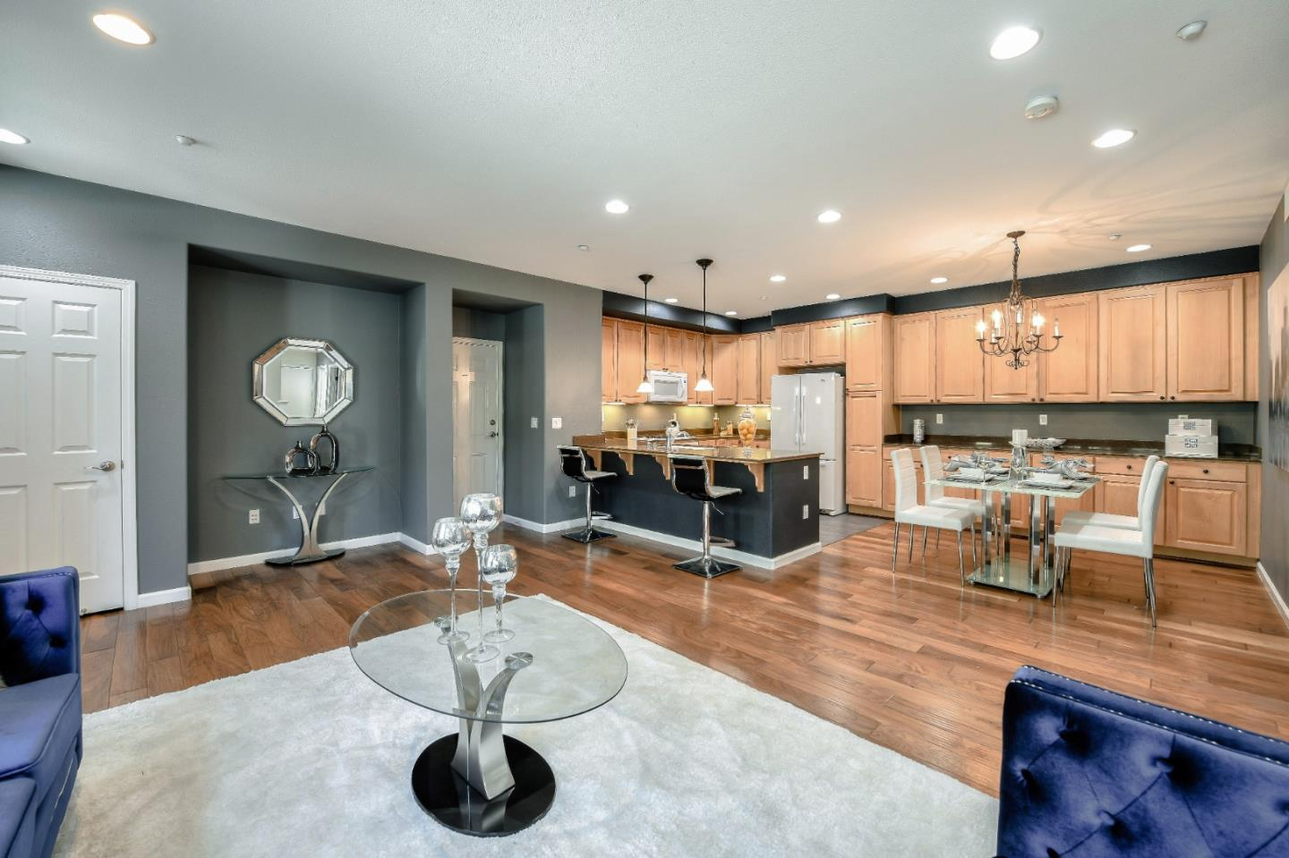 Detail Gallery Image 1 of 1 For 334 Bautista Pl, San Jose,  CA 95126 - 2 Beds | 2/1 Baths