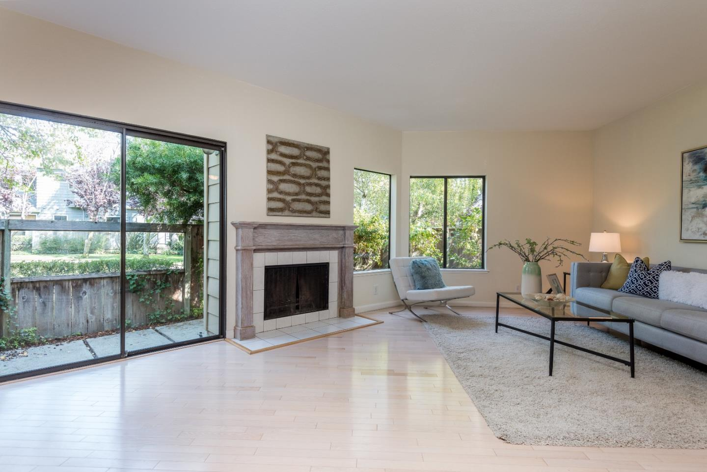 Detail Gallery Image 1 of 1 For 914 Shoreline Dr, San Mateo,  CA 94404 - 2 Beds | 2 Baths