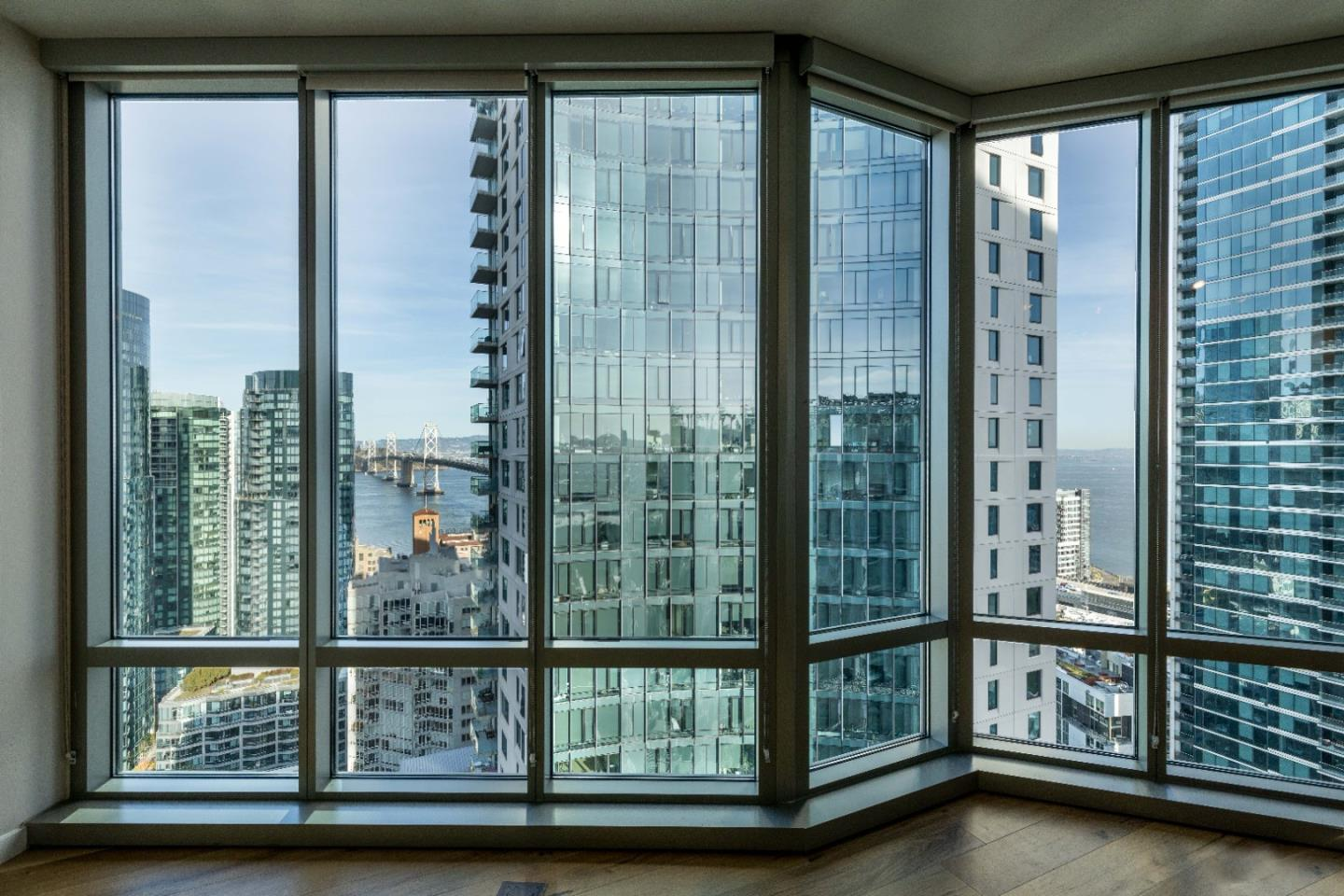 Detail Gallery Image 1 of 24 For 355 1st St #S2802,  San Francisco,  CA 94105 - 2 Beds | 2 Baths