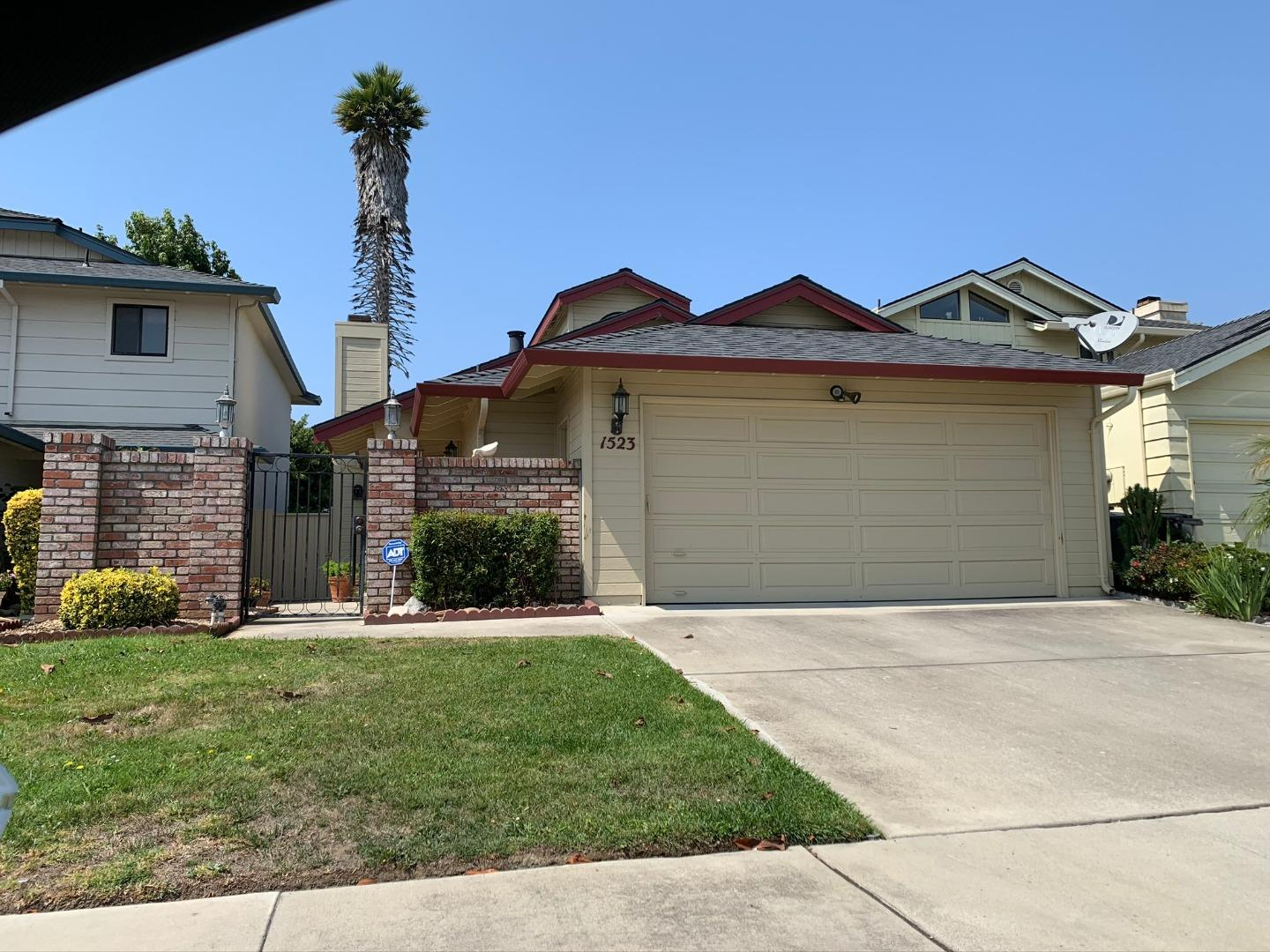 Detail Gallery Image 1 of 1 For 1523 Sepulveda Dr, Salinas,  CA 93906 - 3 Beds | 2 Baths