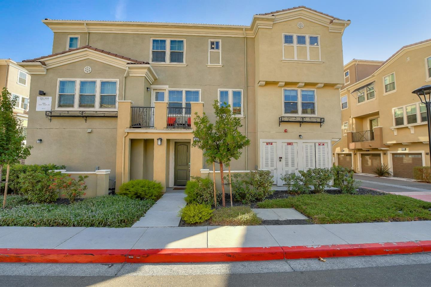 Detail Gallery Image 1 of 1 For 1995 Trento Loop, Milpitas,  CA 95035 - 2 Beds | 2/1 Baths