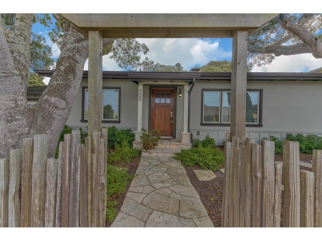 Detail Gallery Image 1 of 1 For 909 Ruth Ct, Pacific Grove,  CA 93950 - 3 Beds | 2 Baths
