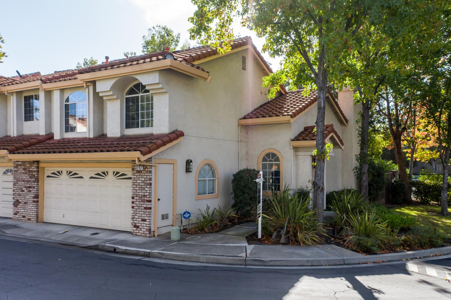 Detail Gallery Image 1 of 1 For 2192 Calle Mesa Alta, Milpitas,  CA 95035 - 3 Beds   2/1 Baths