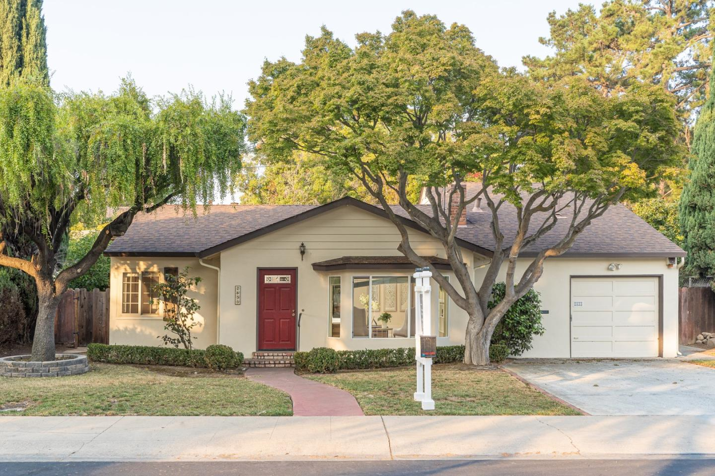 Detail Gallery Image 1 of 1 For 2455 Chabot Ter, Palo Alto,  CA 94303 - 3 Beds | 2 Baths