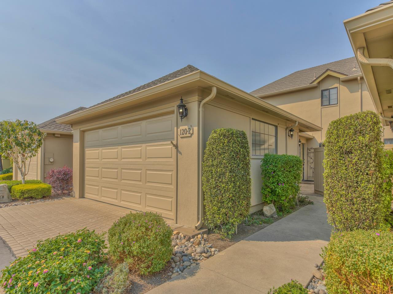 Detail Gallery Image 1 of 1 For 120 Nissen Rd #2,  Salinas,  CA 93901 - 3 Beds | 2 Baths