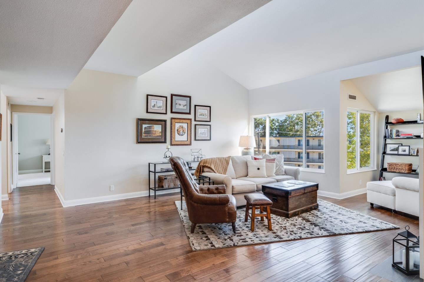 Detail Gallery Image 1 of 28 For 425 N El Camino Real #409,  San Mateo,  CA 94401 - 2 Beds | 2 Baths