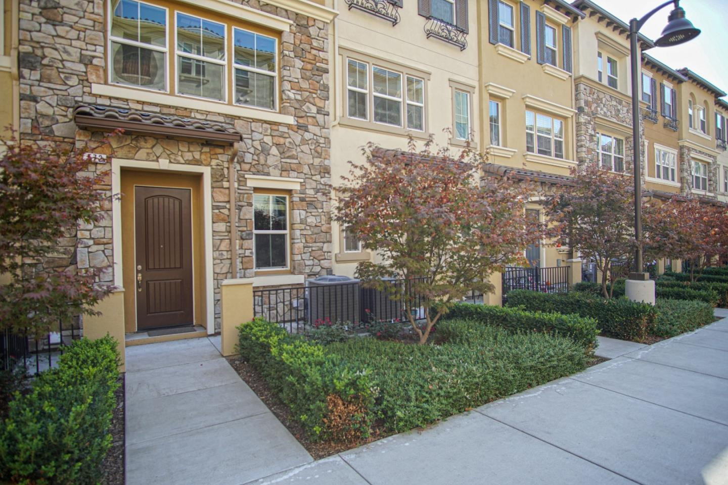 Detail Gallery Image 1 of 1 For 572 Barcelona Loop, Milpitas,  CA 95035 - 3 Beds | 3/1 Baths