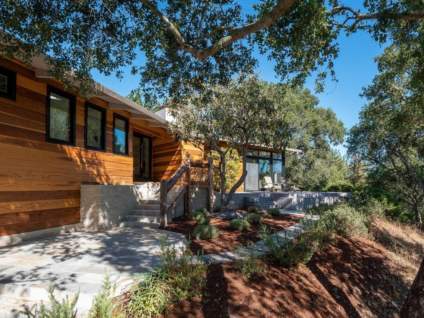 Detail Gallery Image 1 of 33 For 111 Grove Dr, Portola Valley,  CA 94028 - 4 Beds | 2/1 Baths